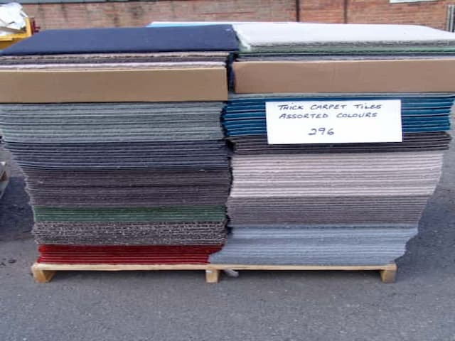 Mixed Pallet Luxury Carpet Tiles - Clearance - Mixed Colours - 50cm x 50cm